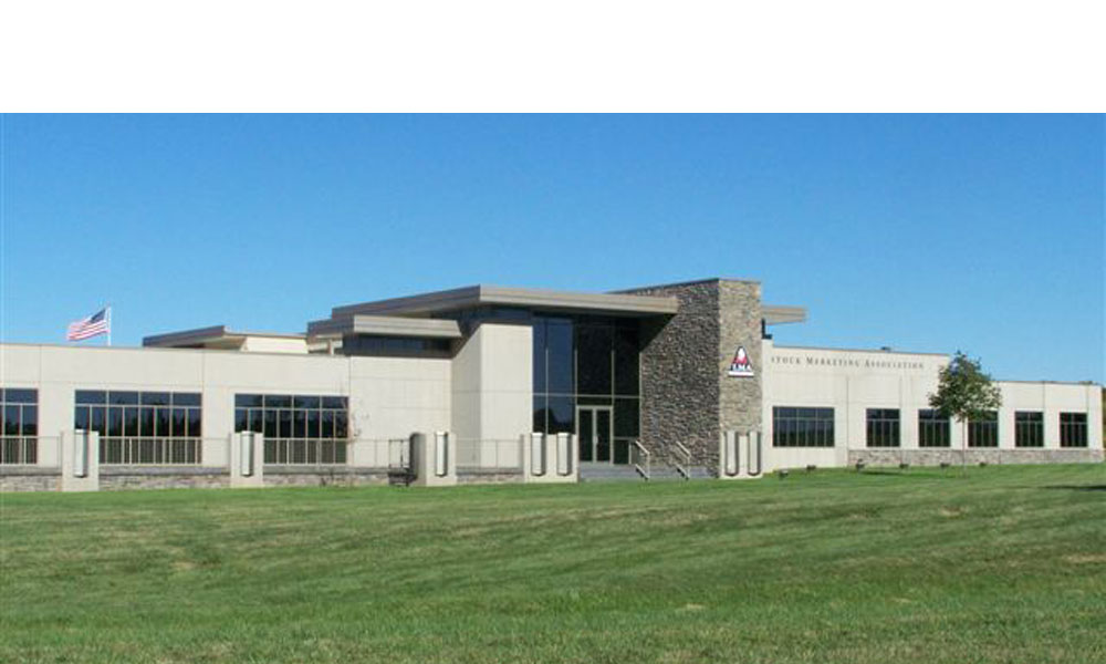 Livestock Marketing a 23,000 square foot new free standing office building in Tiffany Springs Missouri by Luke Draily Construction in Kansas City
